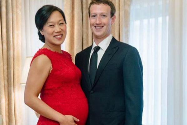مارك زوكربيرغ وزوجته الحامل