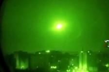 صورة تظهر أنظمة دفاع جوي سورية تعترض صواريخ إسرائيلية - أرشيفية