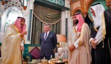 العاهل الأردني خلال لقاء سابق مع القيادة السعودية - أرشيفية