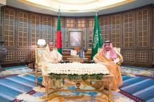 العاهل السعودي ورئيسة وزراء بنغلاديش خلال جلسة المباحثات