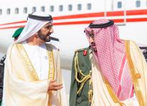 الملك سلمان مستقبلا الشيخ محمد بن راشد يوم الثلاثاء