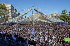 آلاف الأتراك تجمعوا في دياربكر يوم السبت
