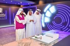 الشيخ محمد بن راشد خلال زيارته لمقر بلدية دبي