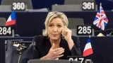 مارين لوبن تطلب من الحكومة الفرنسية التوقف عن منح الجزائريين تأشيرات دخول