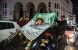 جزائريون يحتفلون بنصرهم بعد اجهاضهم مساعي العهدة الخامسة