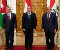 قادة العراق ومصر والأردن في صورة تذكارية عقب الاجتماع
