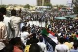 متظاهرون سودانيون في وسط الخرطوم