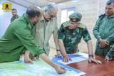 المشير حفتر في غرفة العمليات العسكرية