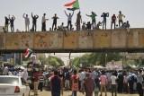 الجيش السوداني مازال يقاوم الضغوط لتسليم الحكم للمدنيين