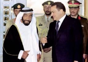 الرئيس المصري الأسبق حسني مبارك والشيخ زايد آل نهيان