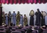 عرض شعبي يرافقه رقص داخل أول مركز ثقافي في الرقة ما بعد