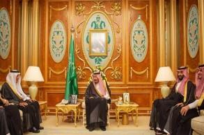 الملك سلمان بن عبد العزيز خلال استقباله أمراء المناطق