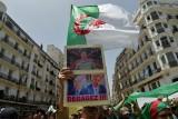 تظاهرة في الجزائر تطالب برحيل رموز النظام