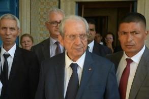 رئيس مجلس نواب الشعب التونسي محمد الناصر لدى وصوله لاداء اليمين رئيسا موقتا للجمهورية التونسية في البرلمان