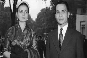 الملك الأردني الراحل حسين مع زوجته الأولى التي وافتها المنية اليوم الأميرة دينا
