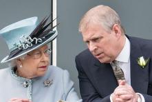 أندرو يحظى بدعم الملكة!