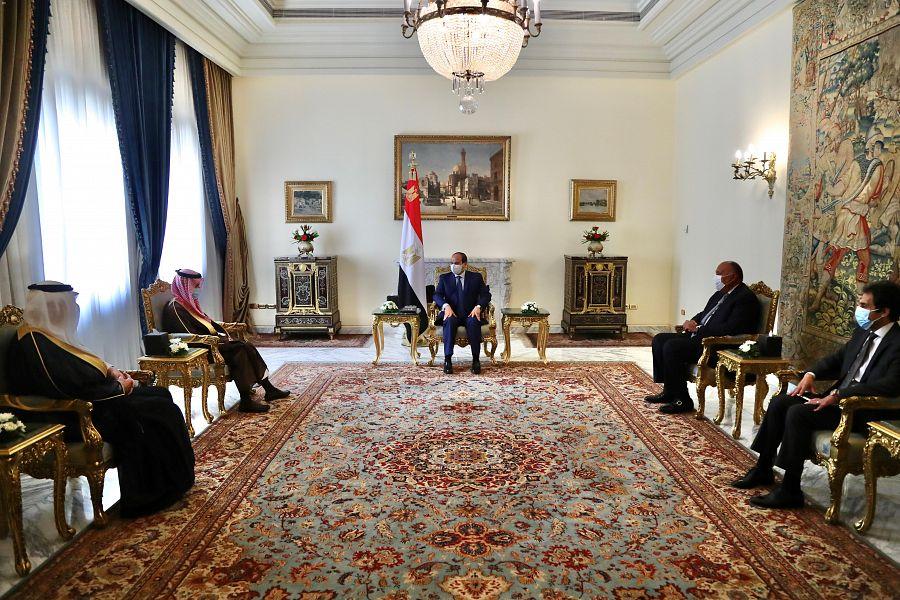 السعودية نيوز |  الرئيس المصري يستقبل وزير الخارجية السعودي