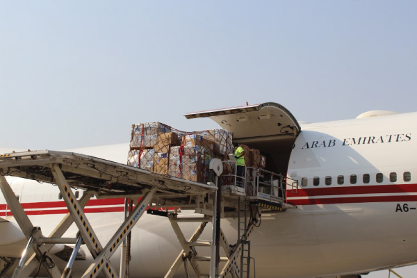 الإمارات ترسل مساعدات عاجلة لنجدة منكوبي انفجار بيروت
