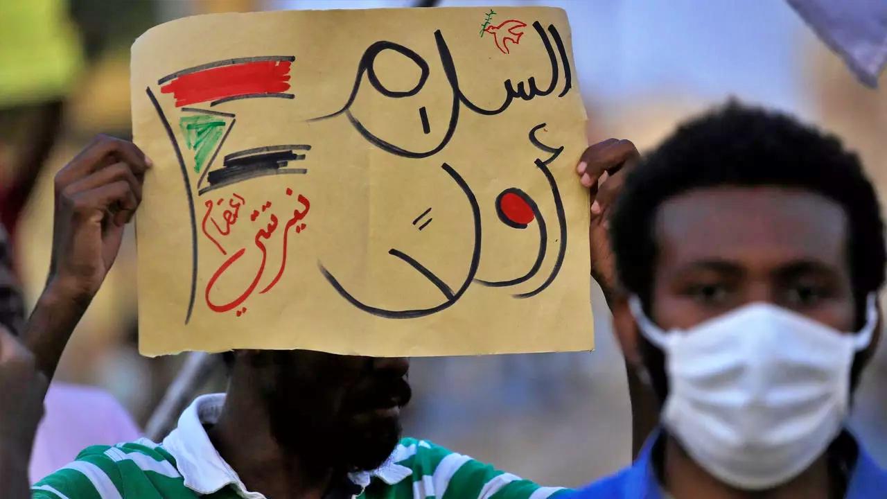 السعودية نيوز |  ترحيب عربي ودولي باتفاق السلام في السودان