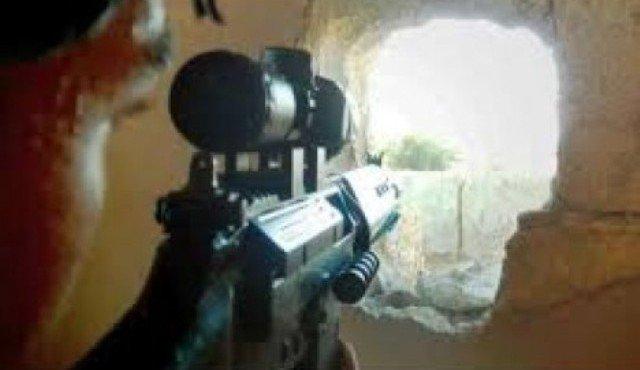 قناص لداعش في احدى المعارك مع القوات العراقية