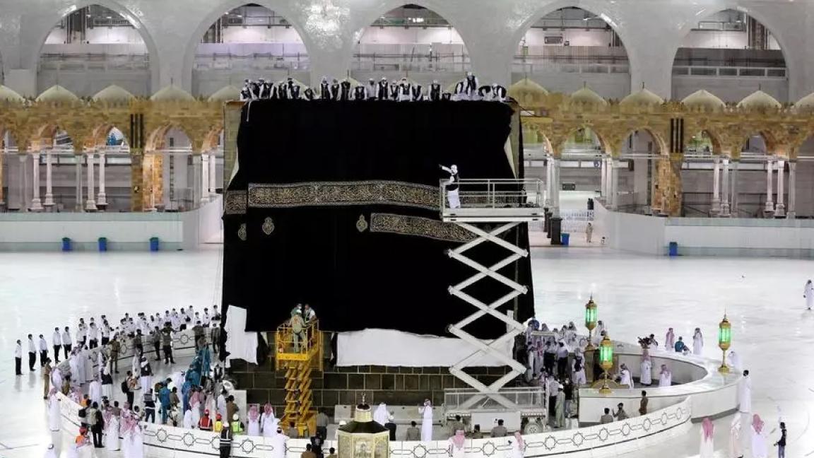 السعودية نيوز |  المعتمرون عادوا إلى مكة في شكل محدود