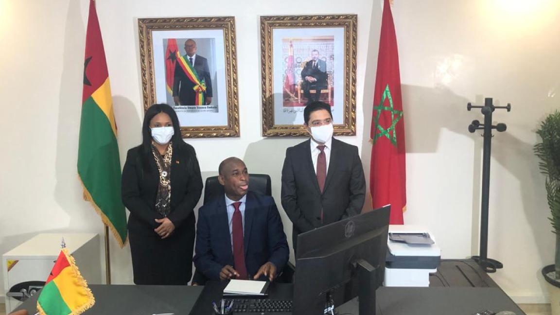 وزير خارجية المغرب لدى تدشينه مع نظيرته في غينيا بيساو القنصلية العامة لهذه الاخيرة في الداخلة