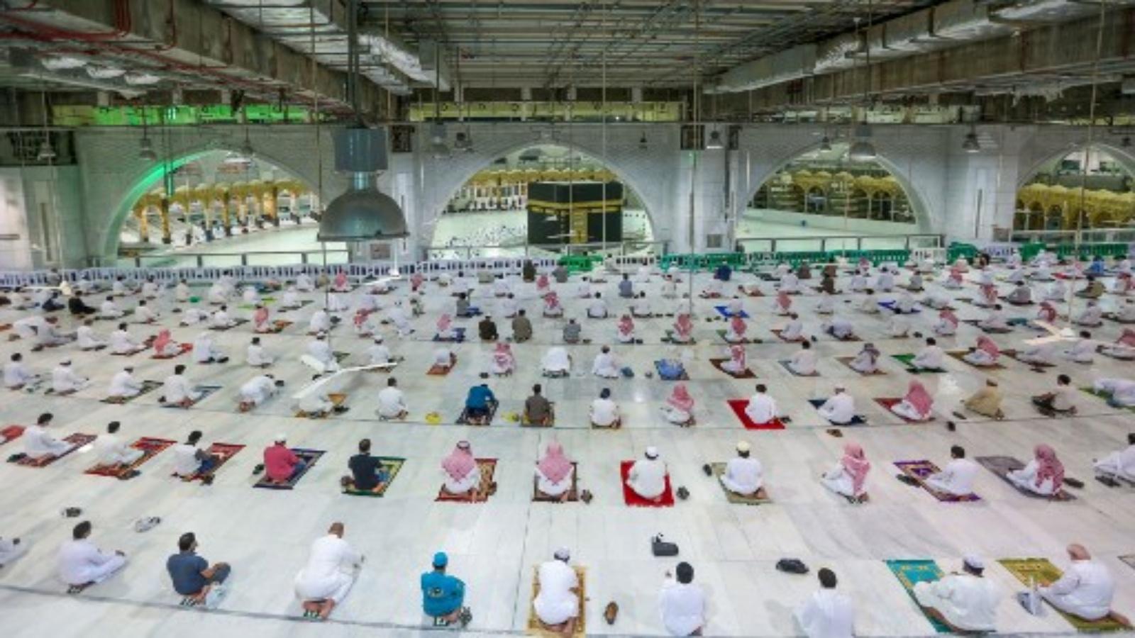 السعودية نيوز |  السعودية تستأنف الصلاة في المسجد الحرام