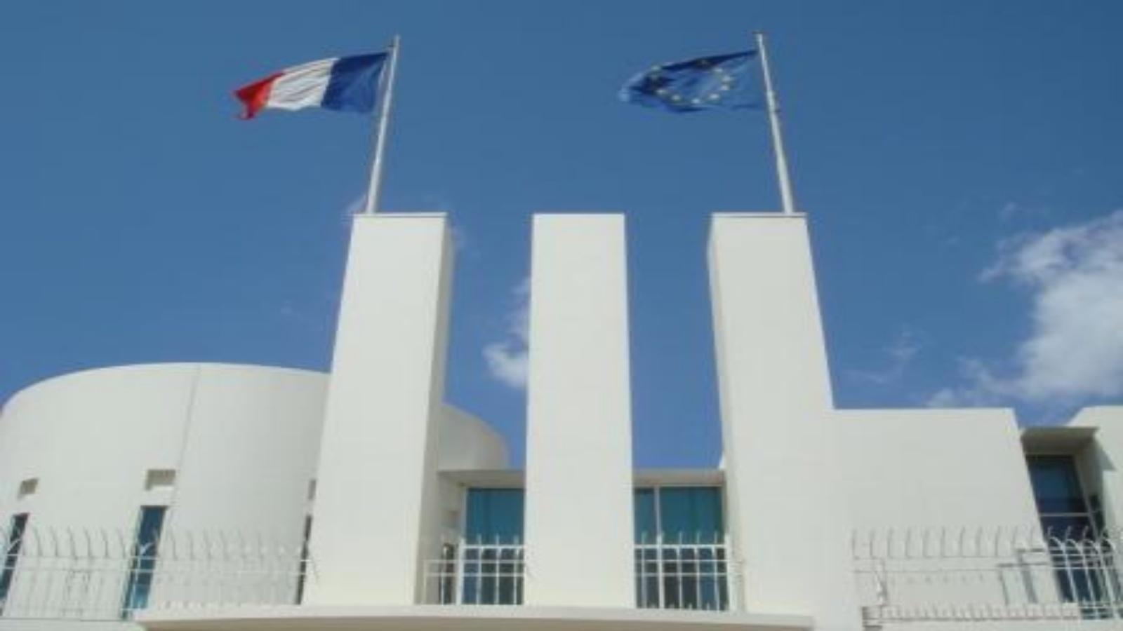 السعودية نيوز |  إصابة حارس في القنصلية الفرنسية بجدة بجروح