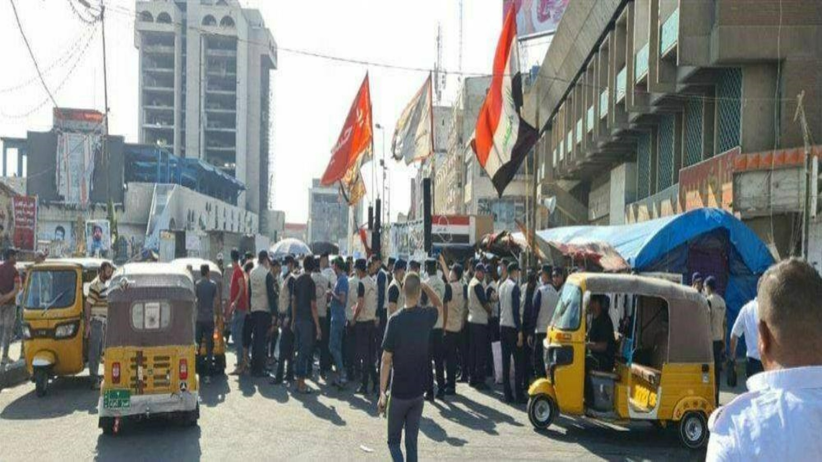 انتشار الشرطة المجتمعية مع القوات الامنية في ساحة التحرير مركز الاحتجاجات وسط بغداد