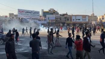 محتجون بساحة الحبوبي وسط الناصرية عاصمة محافظة ذي قار العراقية