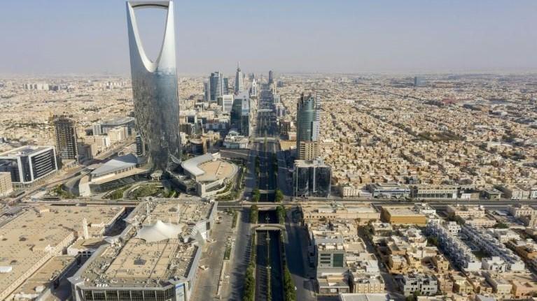 السعودية نيوز |  الإمارات: نقف مع الرياض ودورها في محور الاعتدال العربي