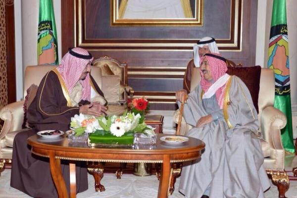 أمير الكويت مستقبلًا ولي العهد السعودي الأمير سلمان بن عبدالعزيز