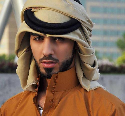 صحف عالمية نشرت صور الشاب الاماراتي