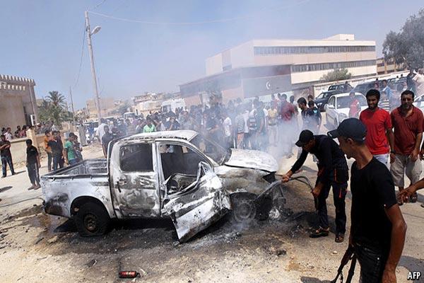 الميليشيات والفوضى والتفجيرات المستمرة تعوق نهضة ليبيا
