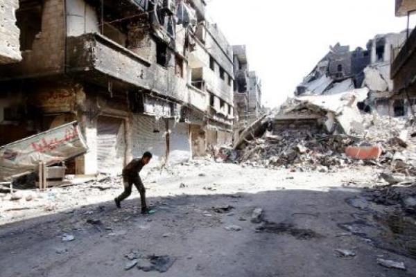 آثار الدمار في مخيم اليرموك في دمشق