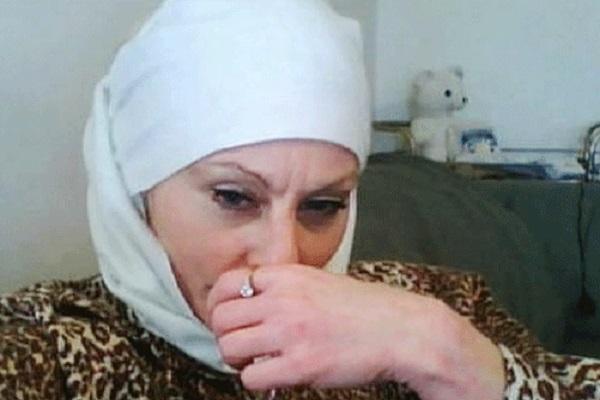 لاروز اتهمت بمحاولة قتل رسام كاريكاتير اساء للرسول