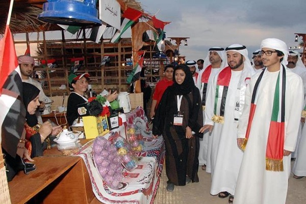 الإماراتيون يحتفلون باتحادهم