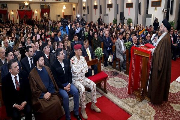 الحكيم خلال مشاركته في قداس للمسيحيين في بغداد
