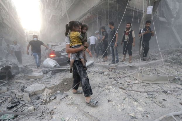 من آثار القصف على مدينة حلب السورية
