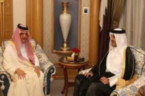 خلال زيارة الوفد الى قطر