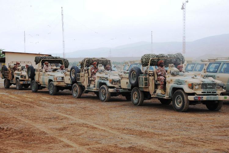 الجيش العماني يشارك في الاستعدادات بكافة قطاعاته