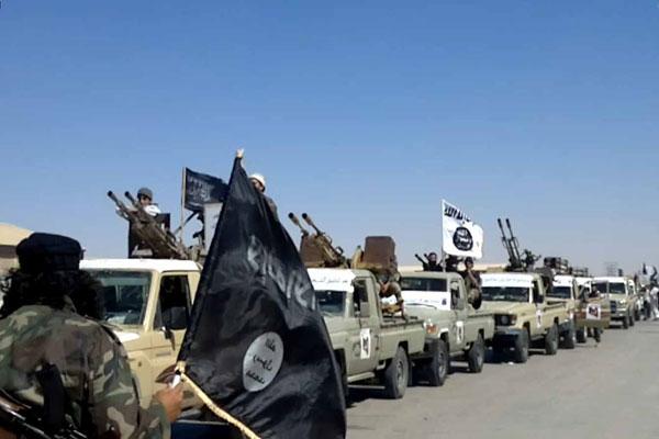 الميليشيات الإسلامية المتشددة تعيث فسادًا في ليبيا