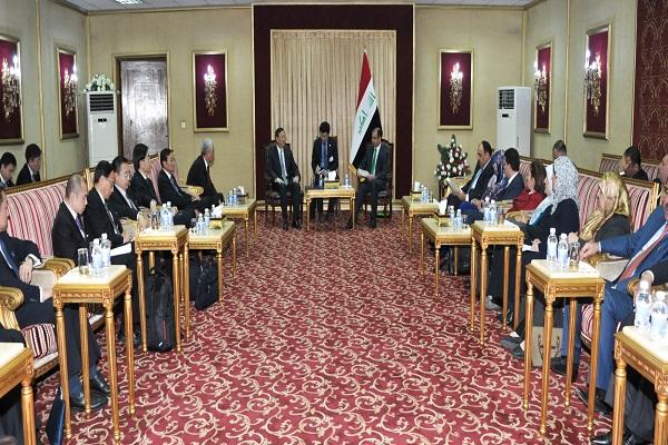 الجبوري ومستشار الدولة الصيني ووفداهما خلال اجتماعهم في بغداد