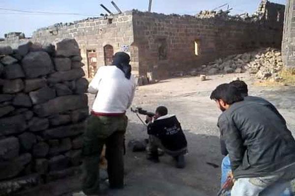 عناصر من الجيش الحر في بصرى الشام - يوتيوب