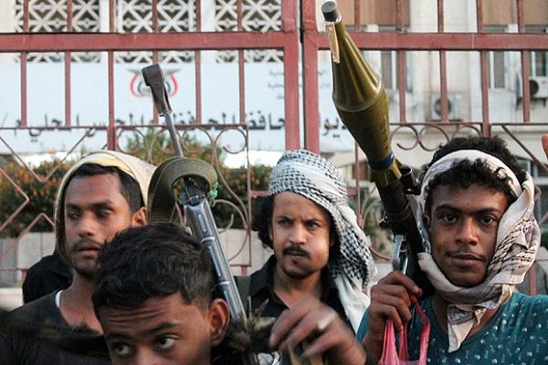 الحوثيون يحاولون تشديد الطوق حول عدن