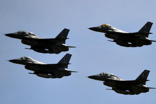 طائرات تشارك في العمليات ضد الميليشيات الحوثية