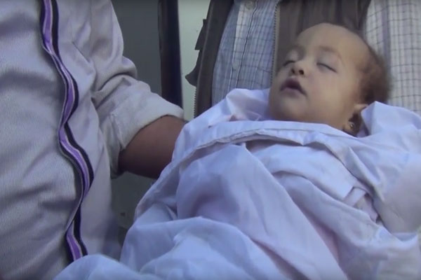 محاولة إنقاذ أطفال رضع استهدفهم هجوم النظام