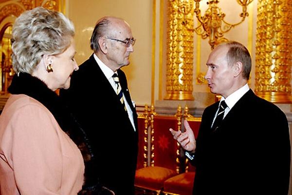 الأمير دميتري رومانوف وزوجته خلال لقاء مع بوتين