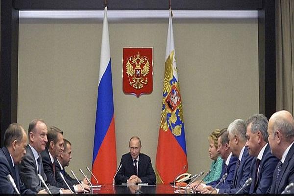 بوتين مترئسا اجتماع الحكومة