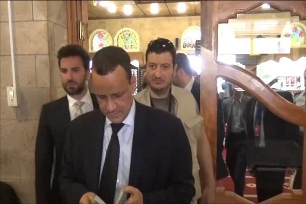 المبعوث الأممي إسماعيل ولد الشيخ خلال زيارته لصنعاء